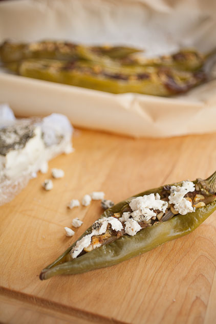 Fajita-stuffed Hatch green chile will add a delicious kick to your dinner!